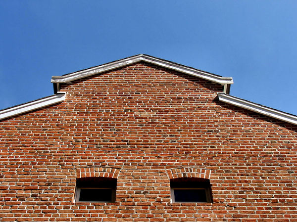 upward angles2: colonial architectural roofing shapes & angles