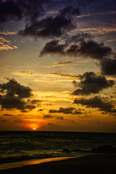 Aruba Dusk: Night falls in Aruba