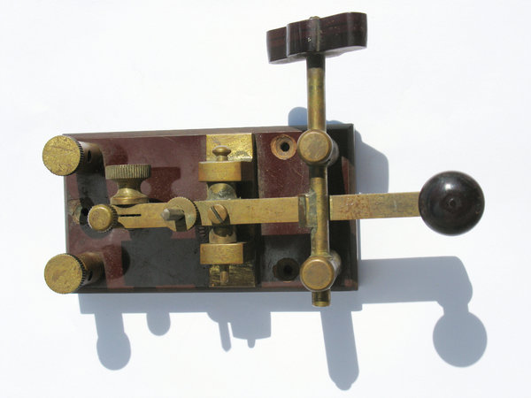 Telegraph 1: Old electric Morse telegraph