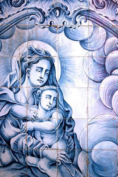 mary and jesus: azuleijo portugues do seculo XVII ou XVIIportuguese tile of the century XVII or XVIII