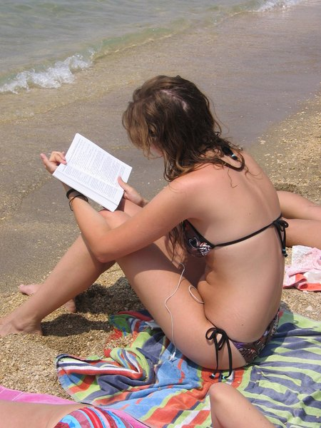 reading on the beach: none