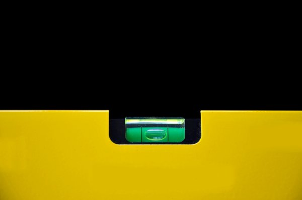 Spirit Level: Yellow coloured spirit level
