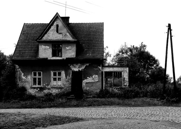 Haunted House: An old house - somebody said to me it is haunted - in Ustron, on Rownica hillside.Please mail me or comment this photo if you find it useful. Thanks in advance.I would be happy to receive the information about picture usage.