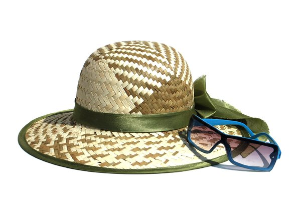 beach accessories 2: none
