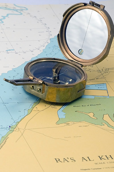 Sea compass 1: Compass on the sea map