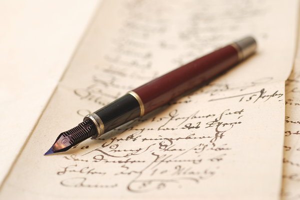 Vintage fountain pen 3: Pen on old german hadwriting