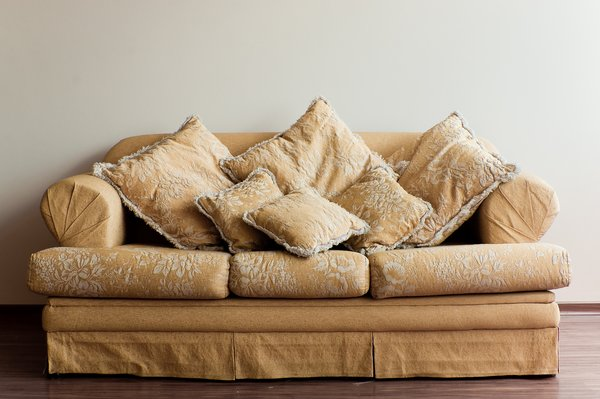 Couch: Couch with pillows