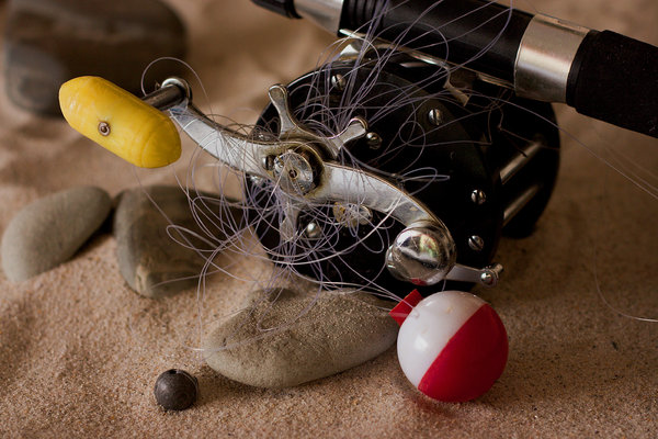 Fishing Tangle: Fishing reel with tangled line