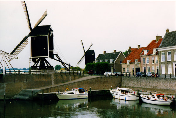 Dutch Boats: Heusden, Netherlands