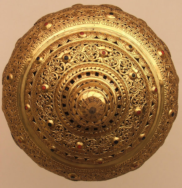 light circles: circular golden lampshade