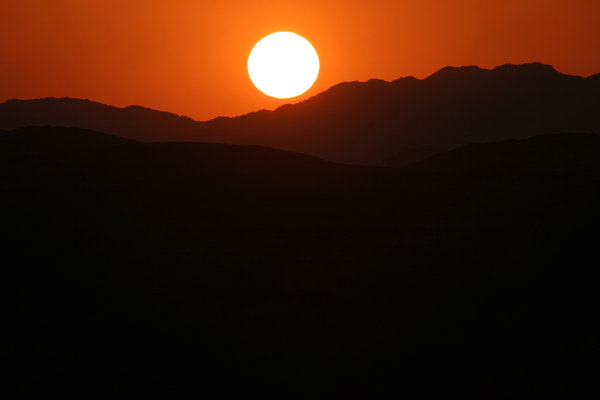 sunset in the desert 4: sunset in the jordan's desert