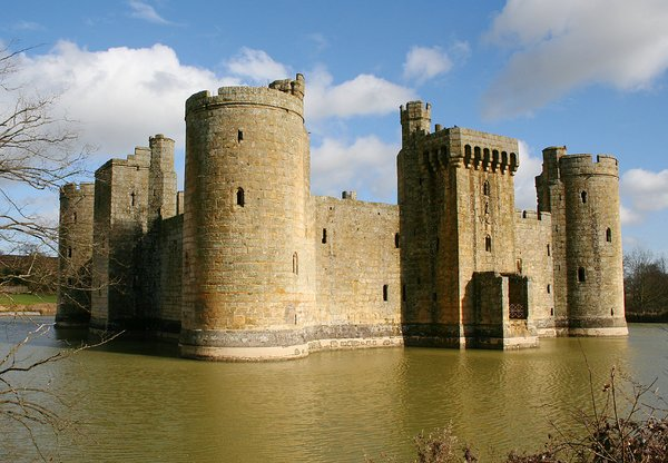 Bodium Castle, Kent 1: Fine day in February and I visited Bodium Castle in Kent.  Bodiams main claim to fame is its great medieval military fortress, the last to have been built in England. This moated fairytale castle was built by Sir Edward Dalyngrigge between 1385 and 1390 a