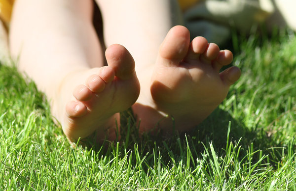 feet in the Grass 2: No description