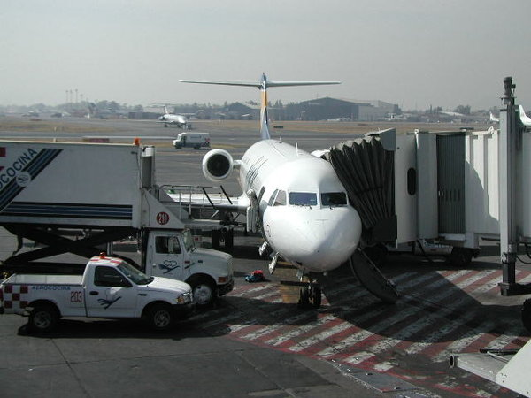 All aboard!: The last checking minute of my plane to fly away, at Mexico City Airport.
