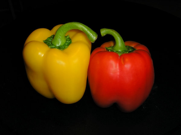Two friends: Peppers: red and yellow