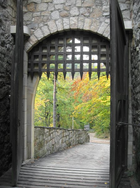 castle's gate in autumn: castle's gate in autumn