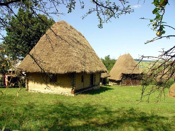 Free stock photos rgbstock free stock images old romanian house florinf january 17 - Romanian peasant houses ...