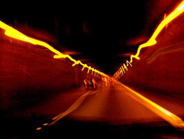 tunnel: trip car, crossing a tunnel