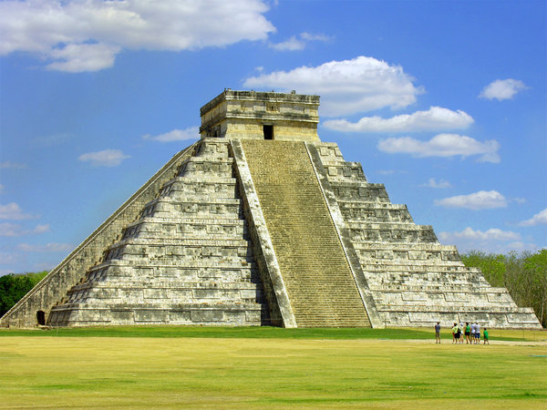 El Castillo: Recent visit to the ruins of Chichén Itzá in Mexico.