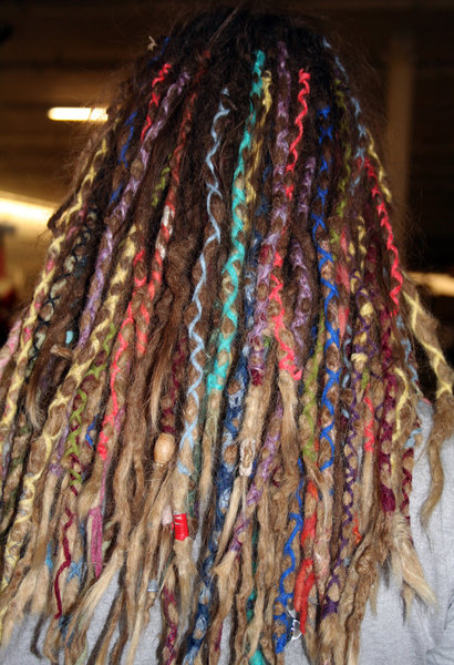 COLORFUL BRAIDS: VERY CREATIVE AND COLORFUL BRAIDING