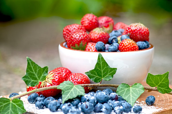 Fruit of the forest: wild strawberries and blueberries