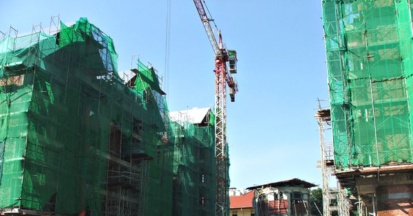cranes & construction: cranes active on construction sites