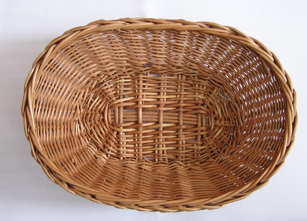 Basket: A small basket.