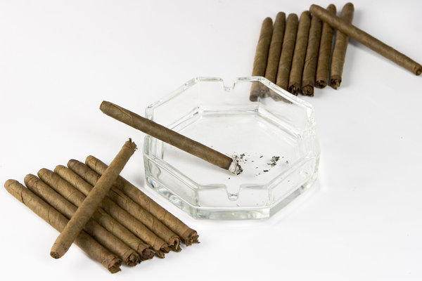 smoking: cigar and ashtray
