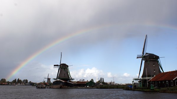 "Zaanse Schans: Our walk over the ""Zaanse Schans"". A historical small town in North Holland, Netherlands"