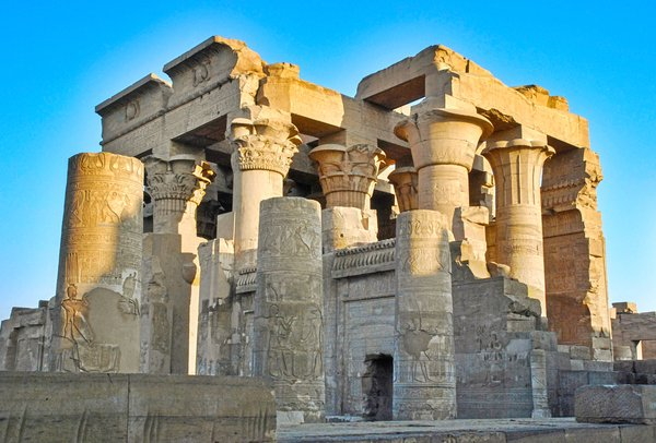 Old Egyptian temple: Ancient Egyptian temple