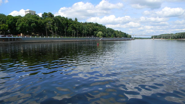Gomel, Belarus: Some photos of the park in Gomel, Belarus from the river Sojh.