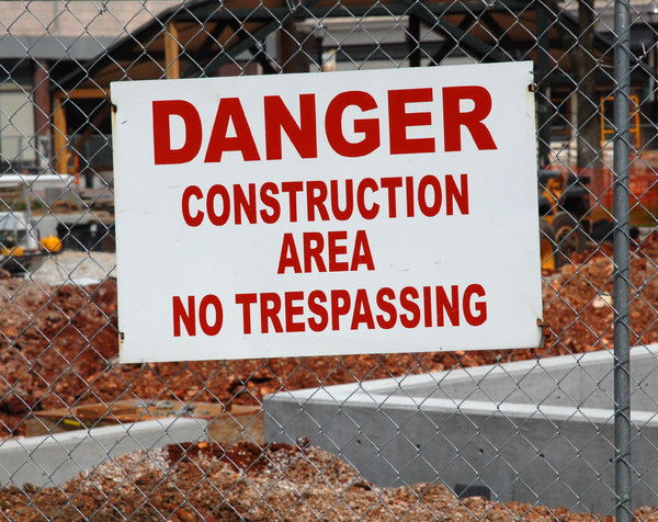 Construction Sign: A sign at a construction site.
