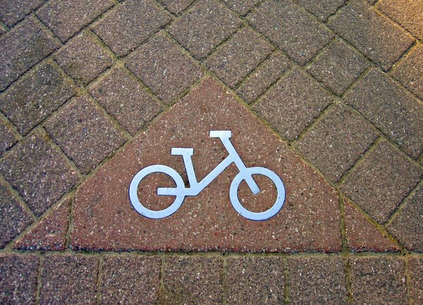 bike route sign 2: bike route sign 2
