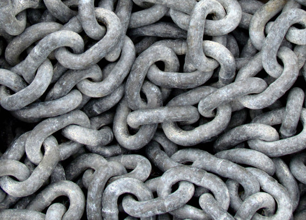 nautical chains: sea-going yacht's anchor chain
