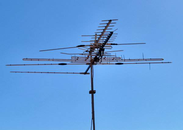 TV antenna: directional TV antenna