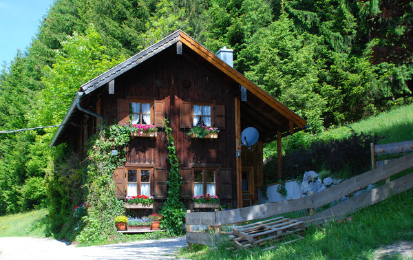 wooden house in the mountains: wooden house in the mountains