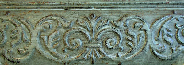 frame edge2: carved edge of large old picture frame
