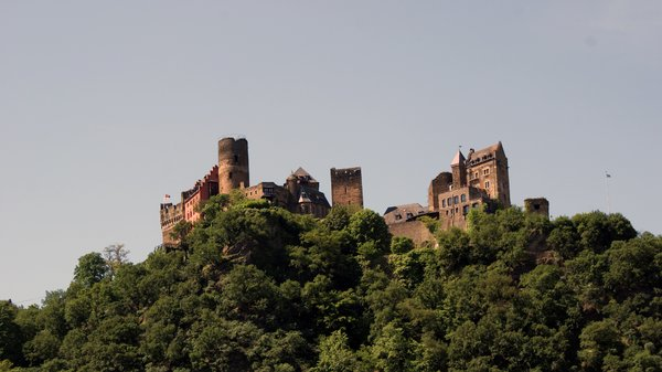 Castle Kätz: Castle Kätz as seen from the river Rhine