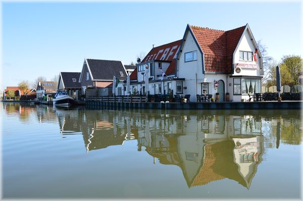 Country life Holland: Small town in Waterland, Holland
