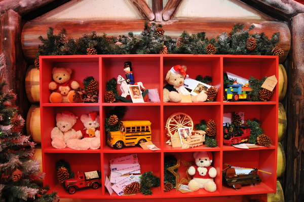 Christmas shelf: Christmas shelf