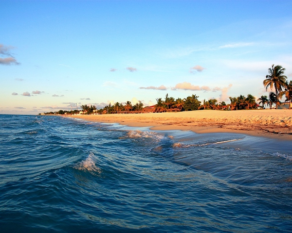 Varadero beach: The file designed to be Windows desctop wallpaper at 1280*1024 resolution