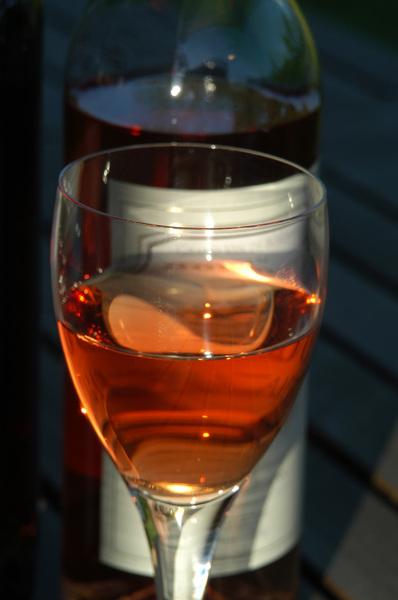 gratis stock foto 39 s rgbstock gratis afbeeldingen een glas rose wijn spelen w bretz. Black Bedroom Furniture Sets. Home Design Ideas