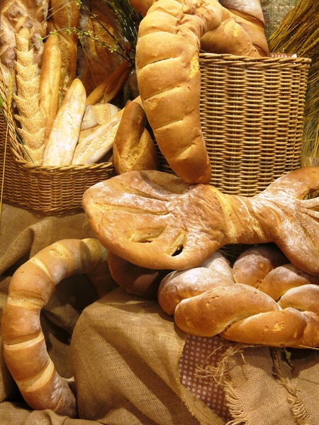 fresh bread: fresh bread background