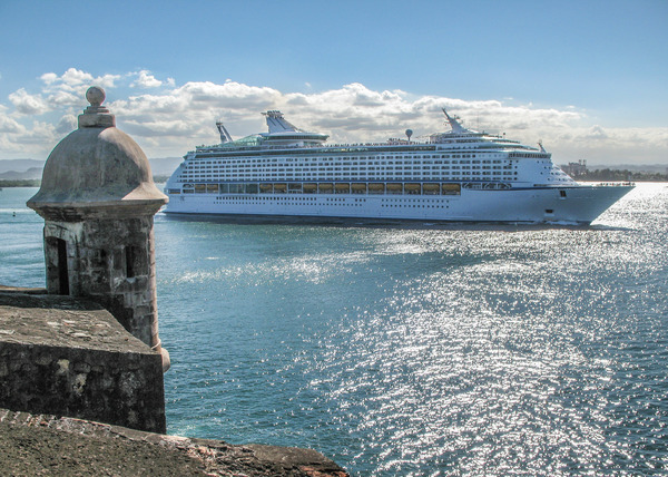 Cruise Ship: Cruise ship passing El Morro Fort in San Juan.