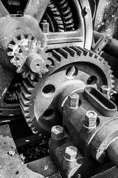 Gears: Gears in black and white.